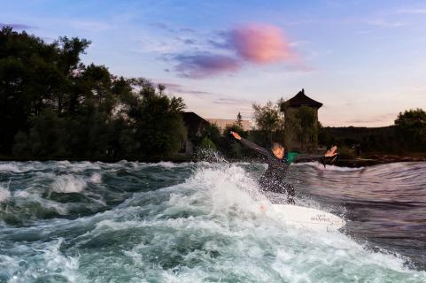 Riversurfing