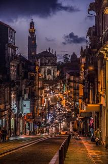 Blick auf den Torre dos Clerigos in Porto - Portugal