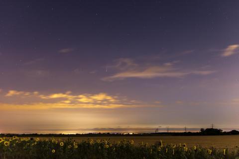 Landschaft mit Komet Neowise