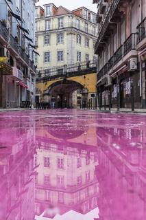 [pink street]