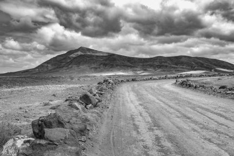 black and white picture Hacha Grande