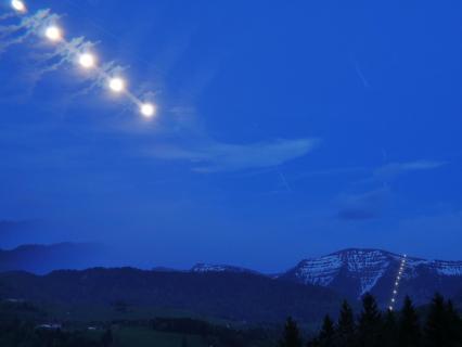 Mond trifft Seilbahn
