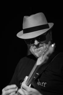 Guitarman (3)