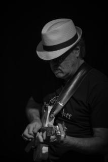 Guitarman (4)