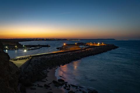 Blaue Stunde überm Hafen