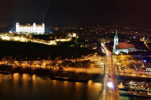 Beautiful Nightlights of Bratislava (4)