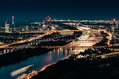 Wien bei Nacht Donaucity