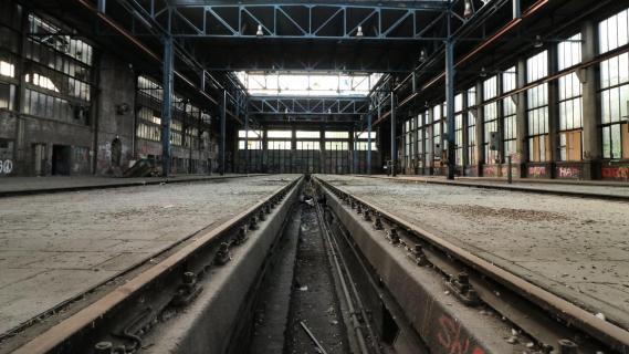 Verlassenes Bahnbestriebswerk