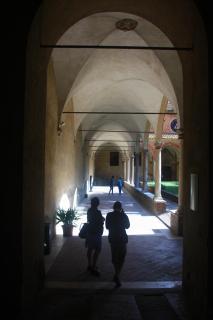 zum Innenhof im Kloster