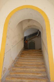 Eingang mit Treppenaufgang