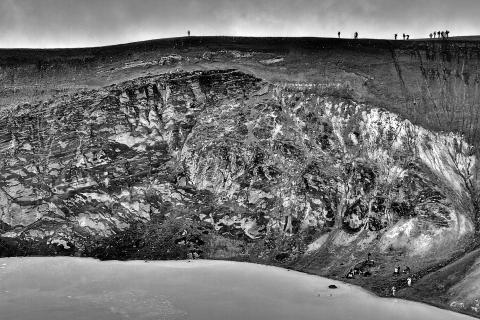 am Kraterrand - Island