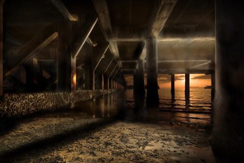 unter dem Pier