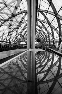 Doppelspiegelung U-Bahnhof Elbbrücken