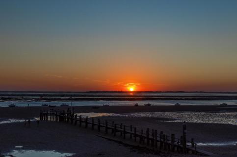 01-blaue Stunde- Angela Sundheim Sonnenuntergang Utersum