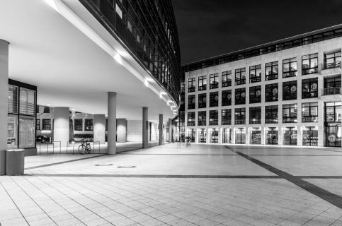 49Foto s/w - angela sundheim -Gustav Röder Platz