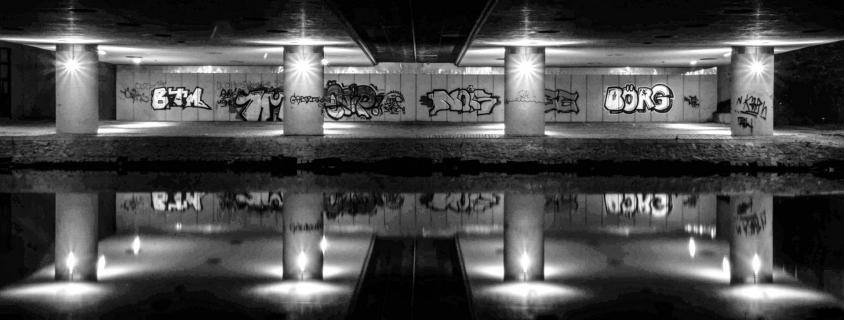 02-Spiegelung unter der Brücke
