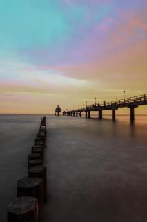 Seebrücke bei Sonnenaufgang II