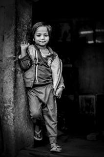 das lächelde Mädchen
