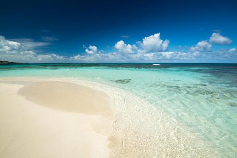 Antigua - Prickly Pear Island