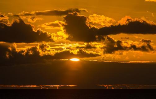 09_Wolkenformationen_Monica_Buni