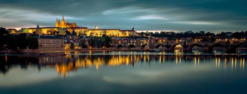 Prager Burg über der Moldau