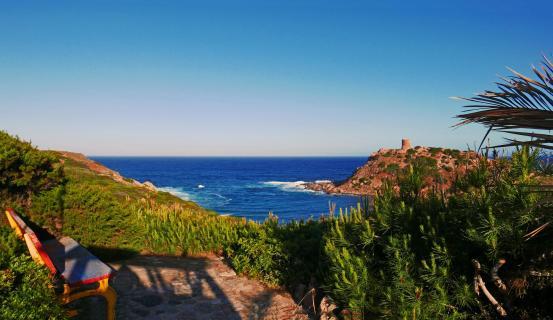 ein beschaulicher Platz auf Sardinien