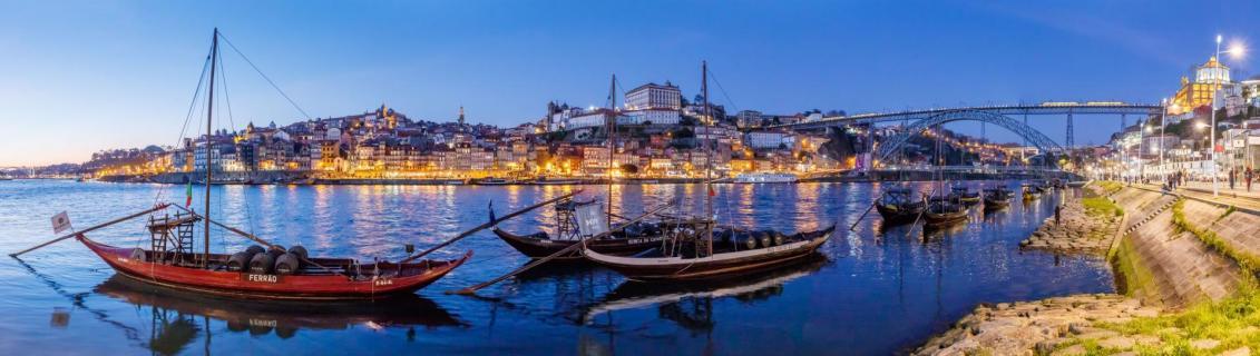 Portwein zum Sonnenuntergang - Panorama von Porto