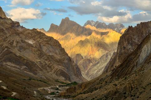 Ladakh - Sonne trifft Berge