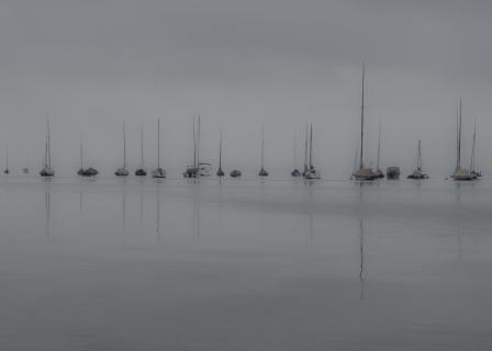Starnberger See - Segelboote im Morgennebel
