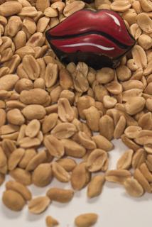 Kussmund auf Erdnüsse
