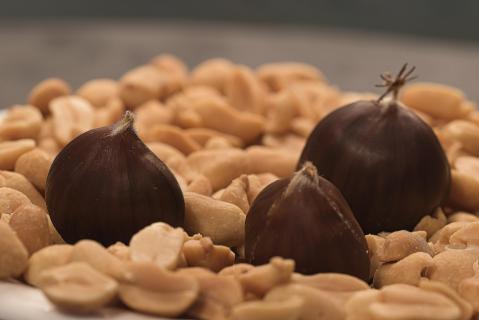 Erdnüsse mit Maronen 1