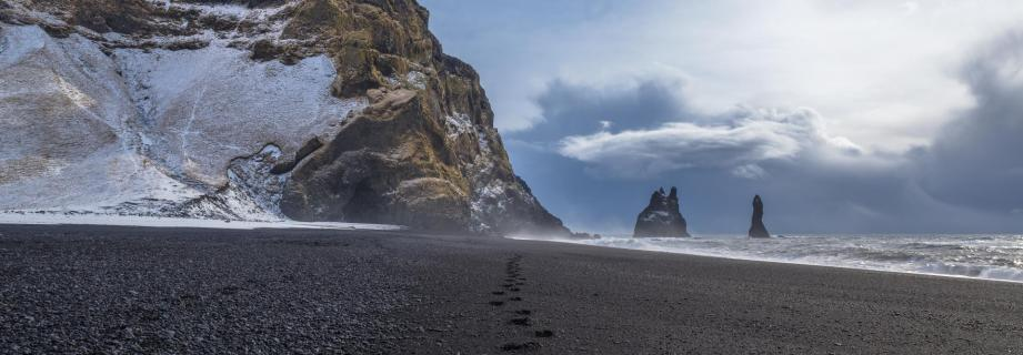 Island - Black Sands Beach - Reynisfjara