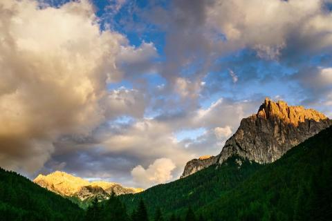 Goldene Stunde am Berg