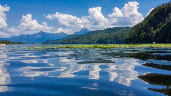 Wasserspiegelung am Weissensee