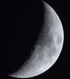 Unser Mond (6,5 Tage alt)