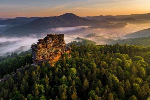 Fels im Morgenlicht