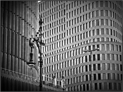 Fenster, Kurven und Lampen