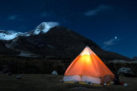 Nachts in den Anden Perus