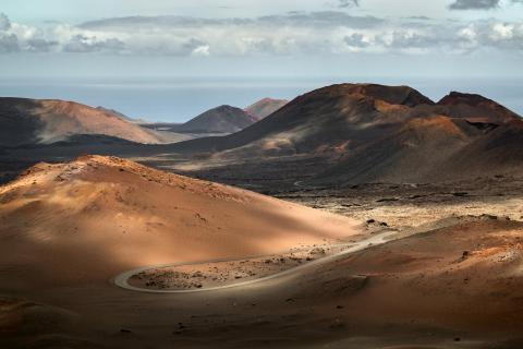 Sonnenspiel in der Vulkanlandschaft