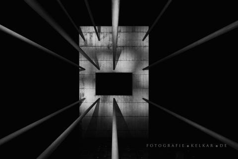 Aufregende Architektur bei Nacht