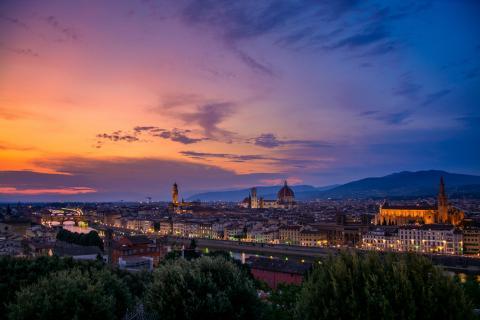 Sonnenuntergang in Florenz im Sommer