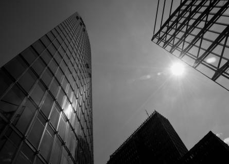 Glas, Baustoff der modernen Baumeister
