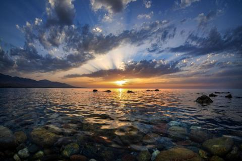 Sunset Issikul