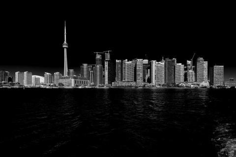 Toronto b/w