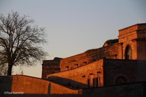 Festung im Abendlicht