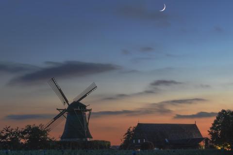 Mühle und Mond