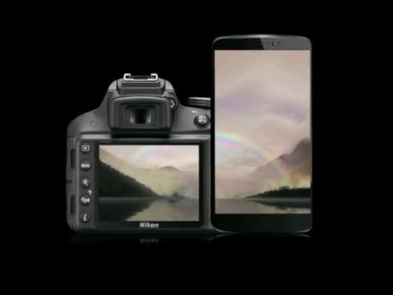 Mit der neuen SnapBridge-Software übertragen sich Fotos von Nikon-Kameras automatisch auf mobile Geräte.