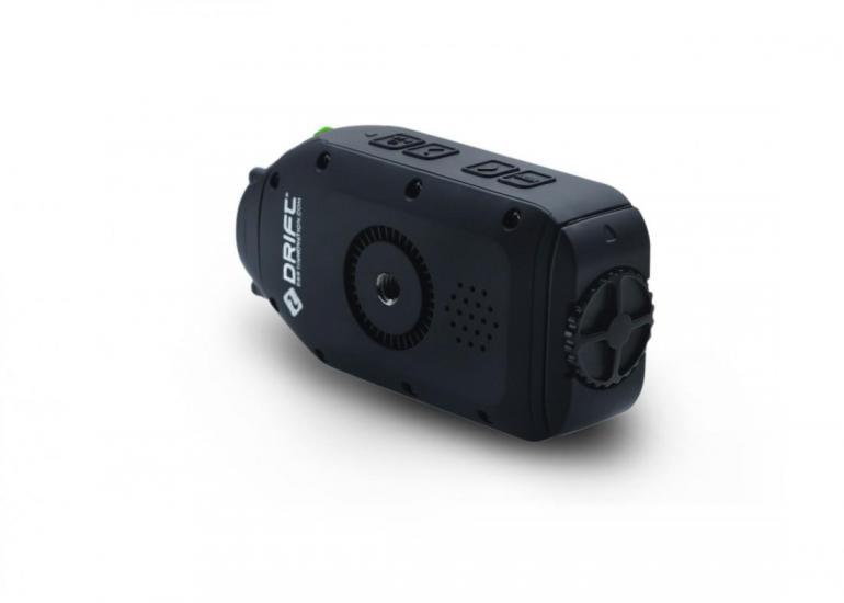 Die Drift Ghost-S wird ohne eine Unterwasserhülle geliefert. Auch ohne optional erhältliche Hülle ist die Kamera bis zu 3 Meter wasserfest.