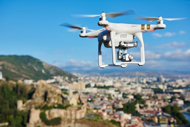 Durch fallende Preise ist die Drohnenfotografie auch für Einsteiger interessant geworden.