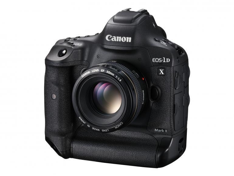 Jetzt haben alle Gerüchte ein Ende - die EOS-1D X Mark II kommt im Frühjahr auf den Markt.
